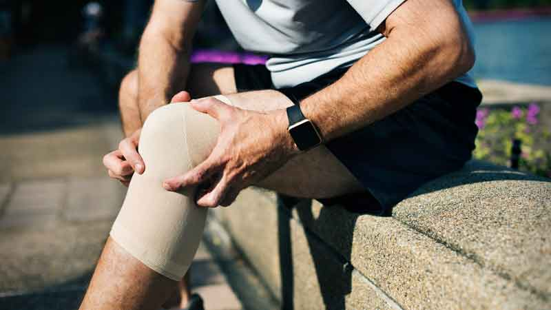 Sportverletzung, Muskelfaserriss, Bänderdehnung, Bänderreizung
