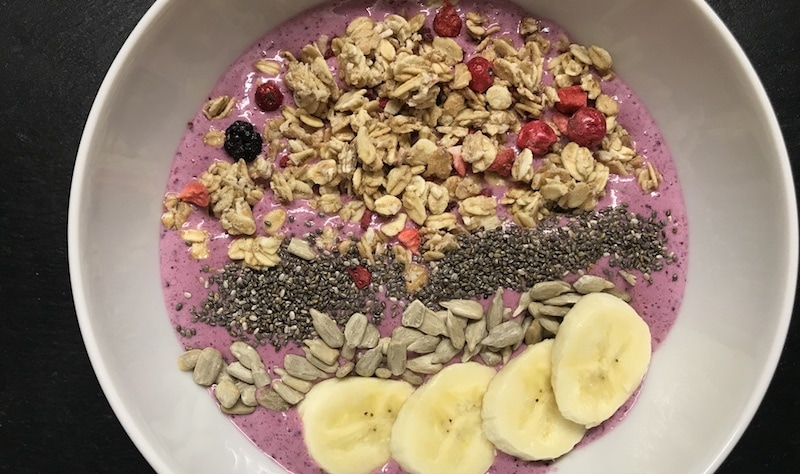 Müsli-Smoothie-Bowl