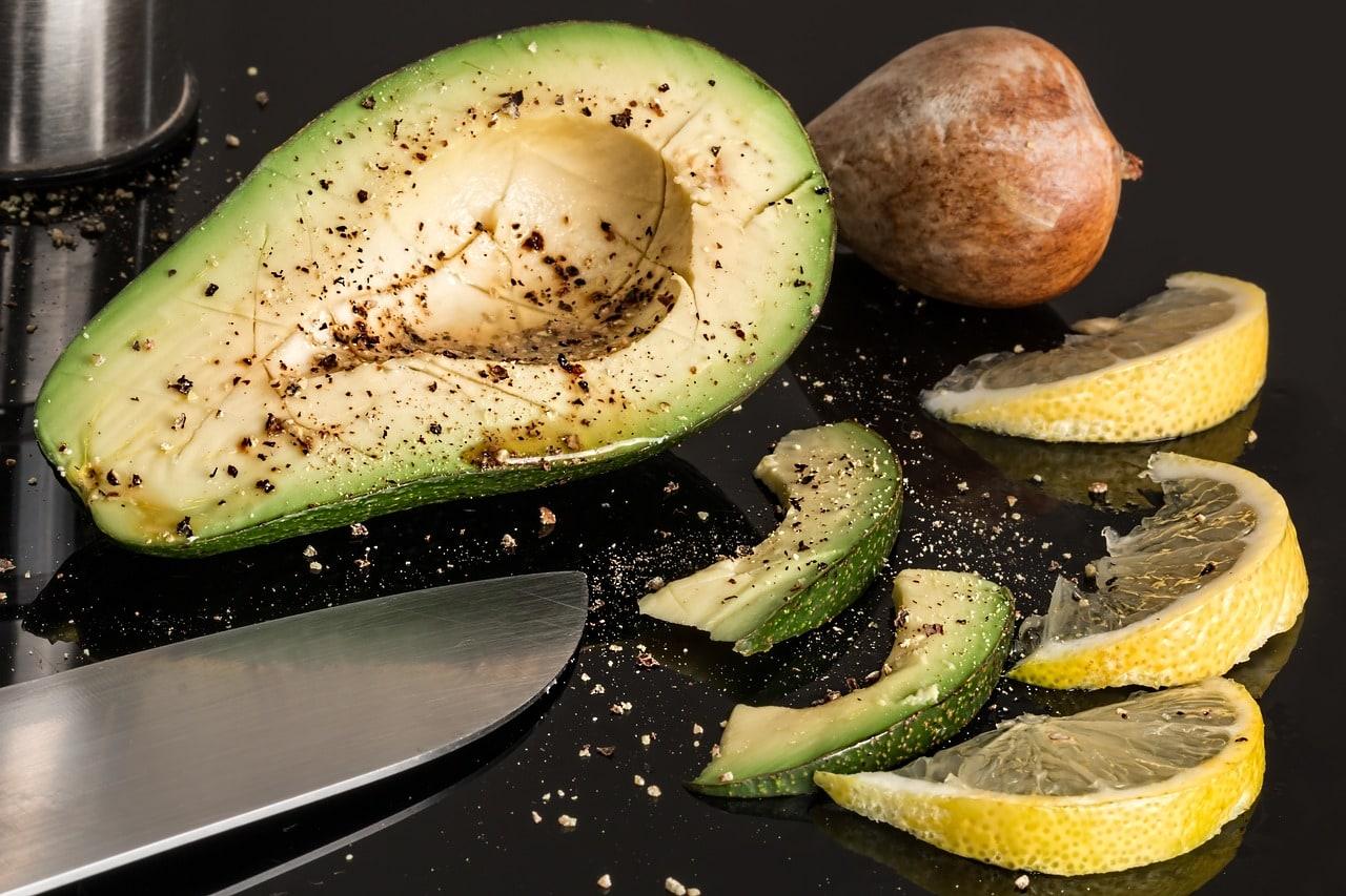 Avocado, Salz, Zitrone
